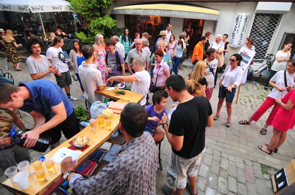 Novi Sad 04.07.2013 otvaranje Sok Zadruga bivsa Art Klinika foto Robert Getel